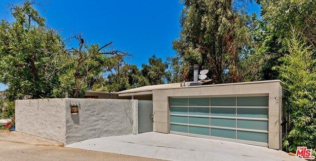 Photo of 2783 Woodstock Road, Los Angeles, CA 90046 (MLS # 20597942)