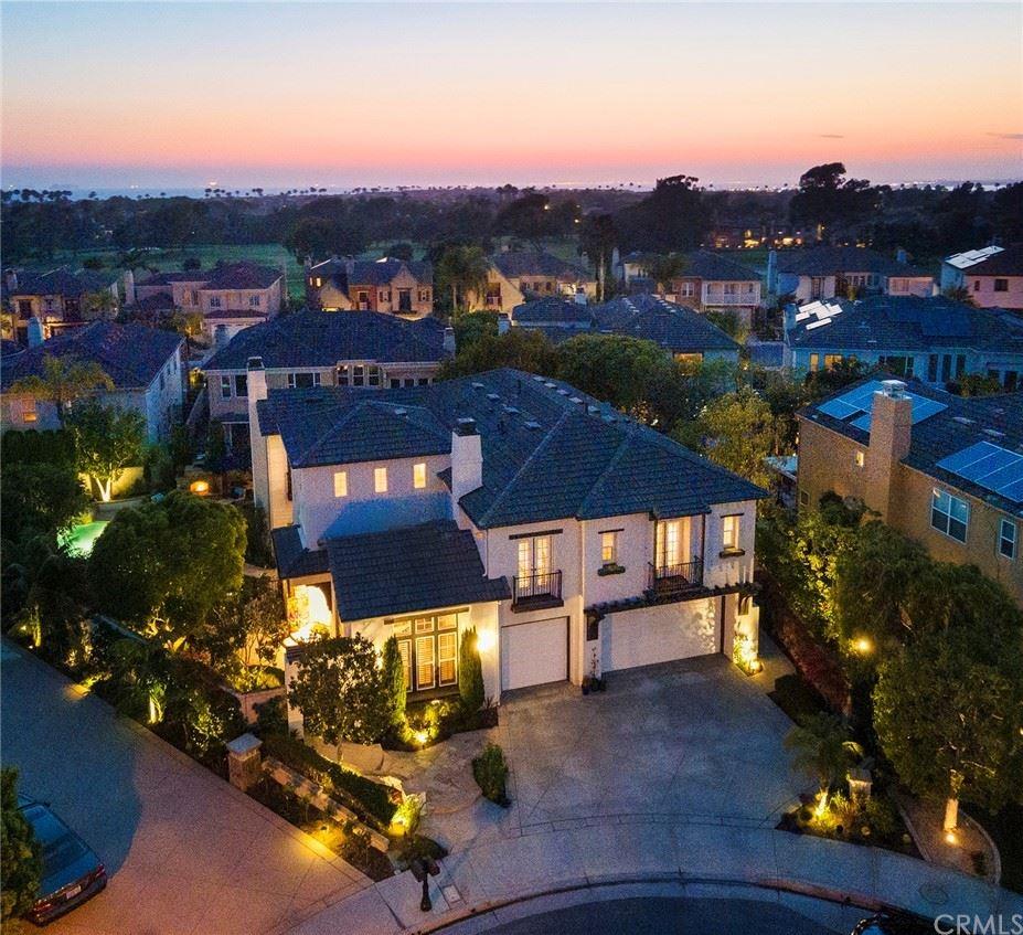 Photo of 19611 Cloverwood, Huntington Beach, CA 92648 (MLS # OC21148942)