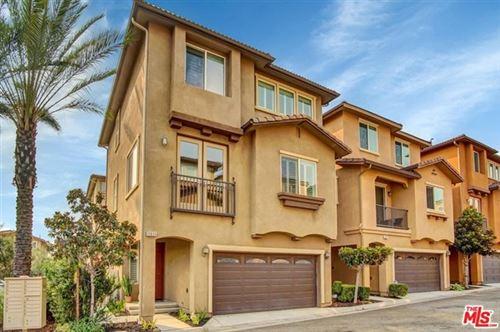 Photo of 11931 Olive Glen Lane, Los Angeles, CA 90047 (MLS # 20633944)