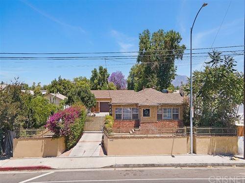 Photo of 14687 Plummer Street, Panorama City, CA 91402 (MLS # SR21134945)