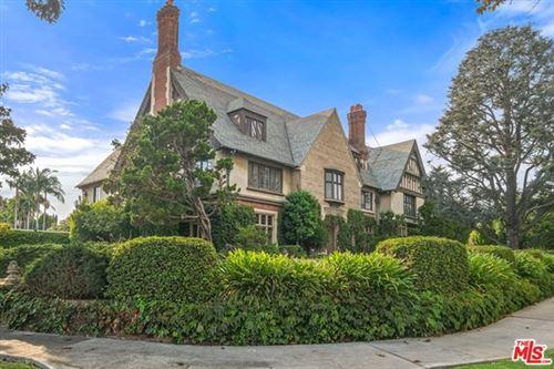 Photo of 101 N Hudson Avenue, Los Angeles, CA 90004 (MLS # 20622946)
