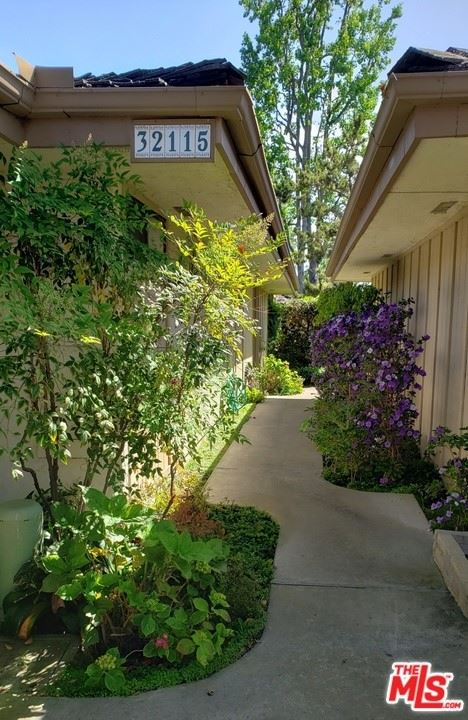 Photo for 32115 Via Buena, San Juan Capistrano, CA 92675 (MLS # 21737946)