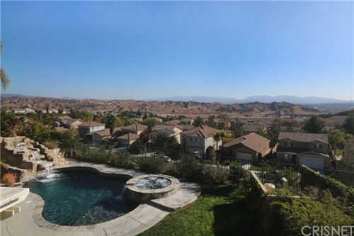 Photo of 29942 Bancroft Place, Castaic, CA 91384 (MLS # SR20246947)