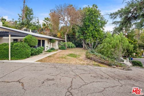 Photo of 4919 AMIGO Avenue, Tarzana, CA 91356 (MLS # 20546948)