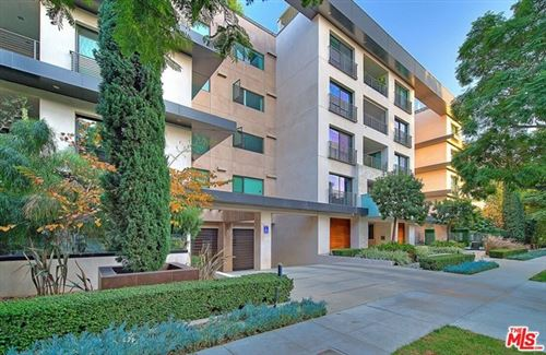 Photo of 432 N Oakhurst Drive #102, Beverly Hills, CA 90210 (MLS # 20660948)