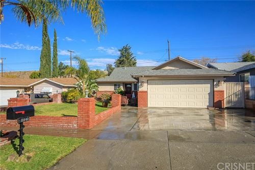 Photo of 19603 Ermine Street, Canyon Country, CA 91351 (MLS # SR21005948)