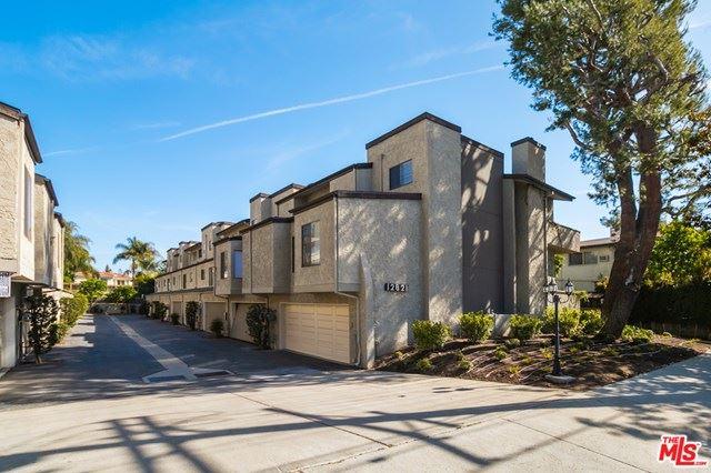 Photo of 12821 Moorpark Street #3, Studio City, CA 91604 (MLS # 21716948)