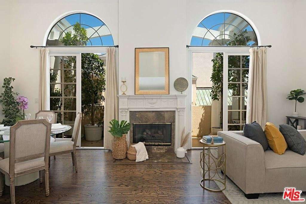 Photo of 930 N Doheny Drive #415, West Hollywood, CA 90069 (MLS # 21765948)
