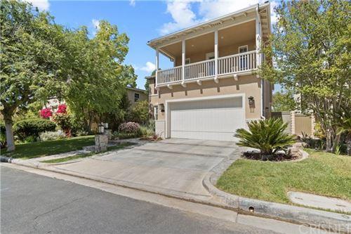 Photo of 26814 Fairlain Drive, Valencia, CA 91355 (MLS # SR21065949)