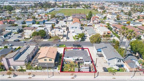 Photo of 7814 Alhambra Drive, Huntington Beach, CA 92647 (MLS # OC21075950)