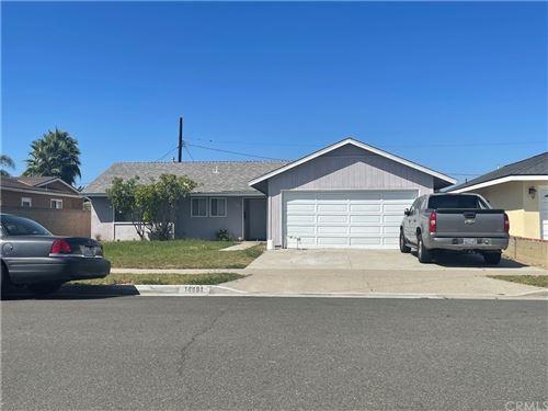 Photo of 14481 Fairview Lane, Huntington Beach, CA 92647 (MLS # OC21205953)