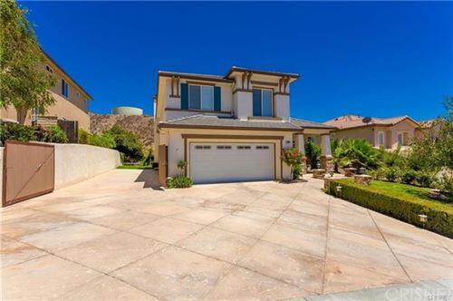Photo of 28608 High Ridge Drive, Saugus, CA 91390 (MLS # SR20120953)
