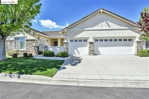 Photo of 371 St Claire Terr, Brentwood, CA 94513 (MLS # 40868954)