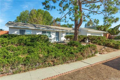 Photo of 1107 Calle Almendro, Thousand Oaks, CA 91360 (MLS # SR21229956)