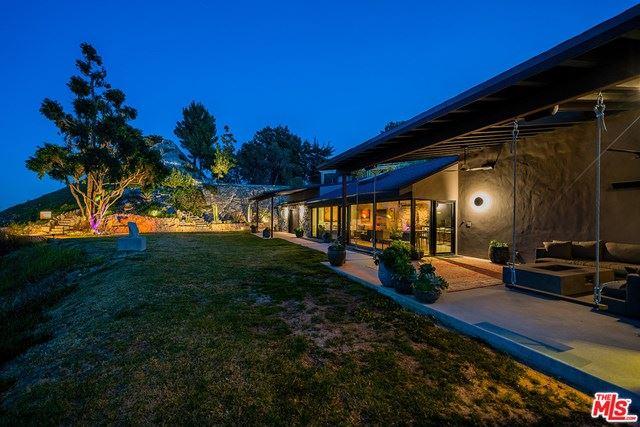 Photo of 3932 Starland Drive, La Canada Flintridge, CA 91011 (MLS # 21715956)