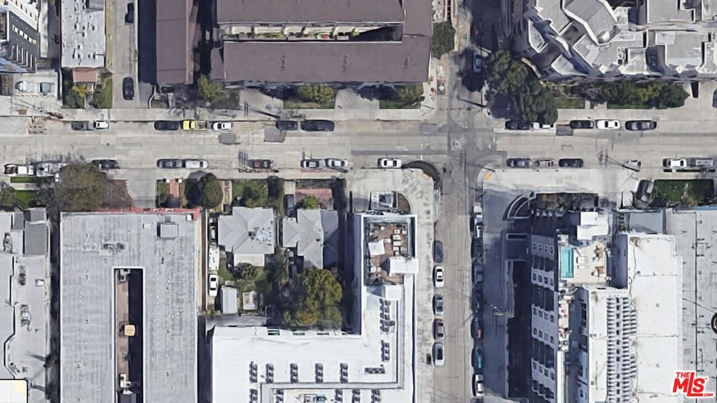 Photo for 5109 Klump Avenue, North Hollywood, CA 91601 (MLS # 21786956)