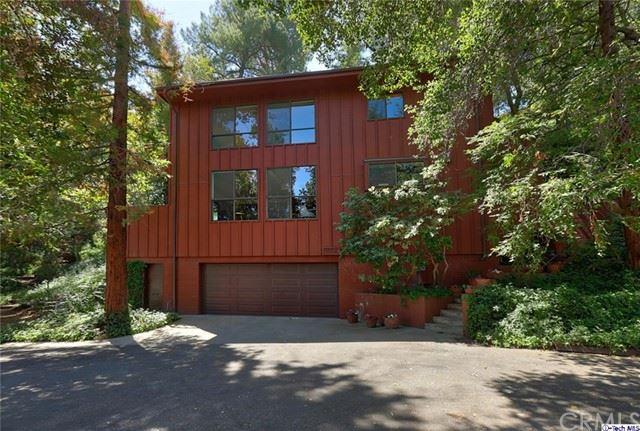 Photo of 1502 Camulos Avenue, Glendale, CA 91208 (MLS # 320005956)