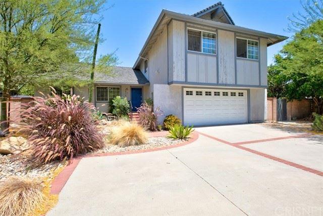 Photo of 12770 Jolette Avenue, Granada Hills, CA 91344 (MLS # SR21136956)
