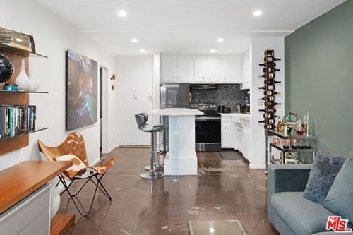 Photo of 320 S Gramercy Place #108, Los Angeles, CA 90020 (MLS # 20597958)