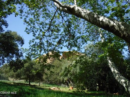 Photo of 1075 Lookout Rock Trail, Simi Valley, CA 93063 (MLS # 221001958)