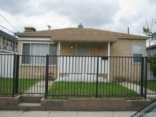 Photo of 6455 Troost Avenue, North Hollywood, CA 91606 (MLS # SR21164958)