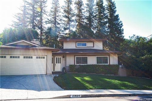 Photo of 21830 Ybarra Road, Woodland Hills, CA 91364 (MLS # SR21229959)