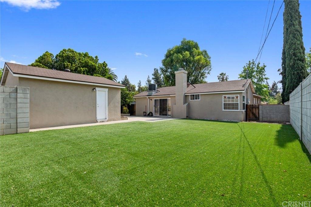 Photo of 11139 Hayvenhurst Avenue, Granada Hills, CA 91344 (MLS # SR21147959)