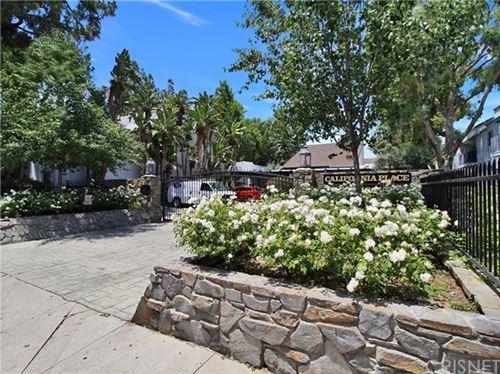 Photo of 18645 Hatteras Street #220, Tarzana, CA 91356 (MLS # SR20123960)