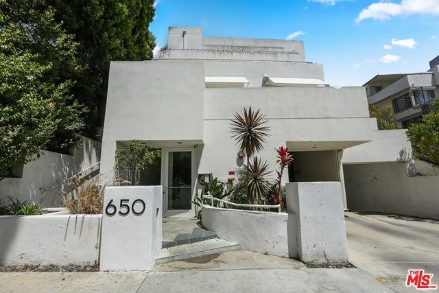 Photo of 650 Kelton Avenue #303, Los Angeles, CA 90024 (MLS # 20617960)