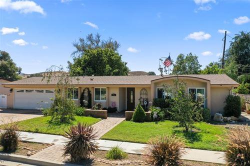 Photo of 991 Sheffield Place, Thousand Oaks, CA 91360 (MLS # 220007961)