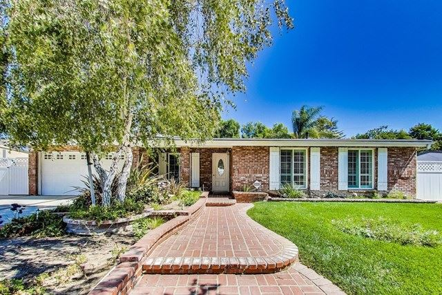 Photo of 521 E Gainsborough Road, Thousand Oaks, CA 91360 (MLS # 220009961)