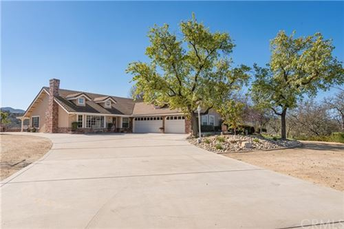 Photo of 9360 Windmill Road, Paso Robles, CA 93446 (MLS # NS21046962)