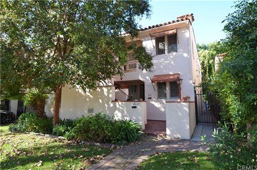 Photo of 209 S Arnaz Drive, Beverly Hills, CA 90211 (MLS # SB21037962)