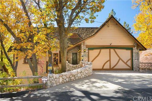 Photo of 28965 N Shore Road, Lake Arrowhead, CA 92352 (MLS # EV19253963)