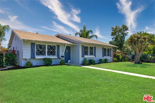 Photo of 7824 N Woodlake Avenue, West Hills, CA 91304 (MLS # 21781964)