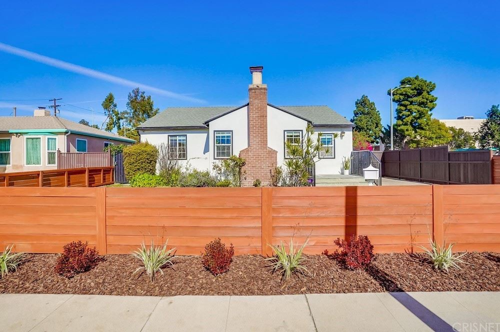 Photo of 2636 Corinth Avenue, West Los Angeles, CA 90064 (MLS # SR21046965)