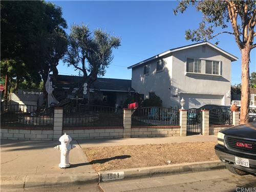 Photo of 1501 E Avalon Avenue, Santa Ana, CA 92705 (MLS # NP21189966)