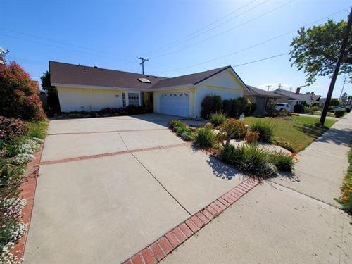 Photo of 976 Concord Avenue, Ventura, CA 93004 (MLS # V1-4966)
