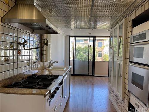 Photo of 1243 Wellesley Avenue #6, Los Angeles, CA 90025 (MLS # SR20232967)