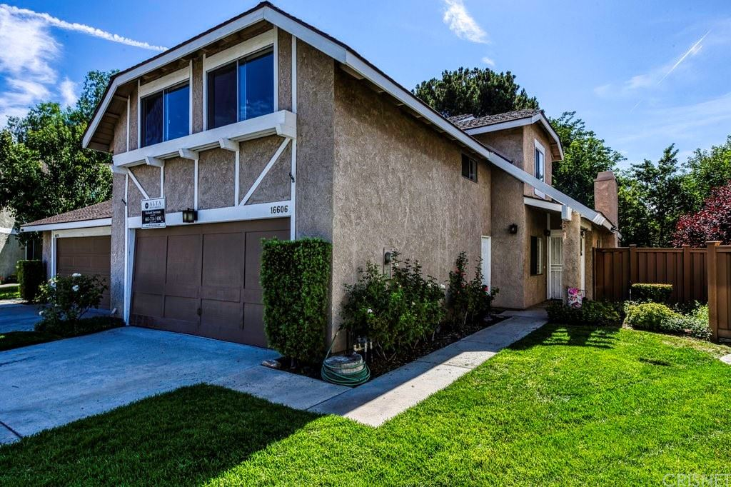 Photo for 16606 Shinedale Drive, Canyon Country, CA 91387 (MLS # SR21155967)