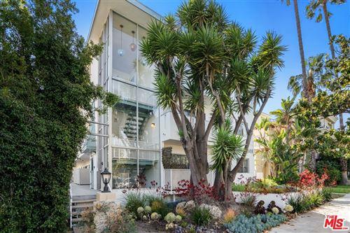 Photo of 844 6Th Street, Santa Monica, CA 90403 (MLS # 21745968)