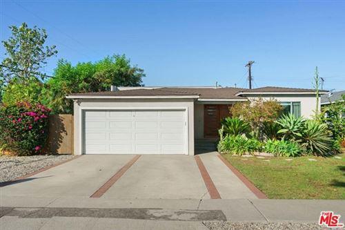 Photo of 2700 COOLIDGE Avenue, Los Angeles, CA 90064 (MLS # 21757968)