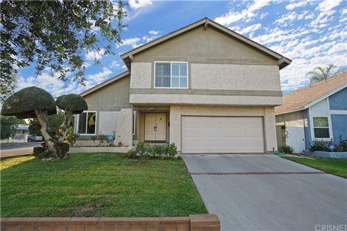 Photo of 6201 Chimineas Avenue, Tarzana, CA 91335 (MLS # SR21210968)