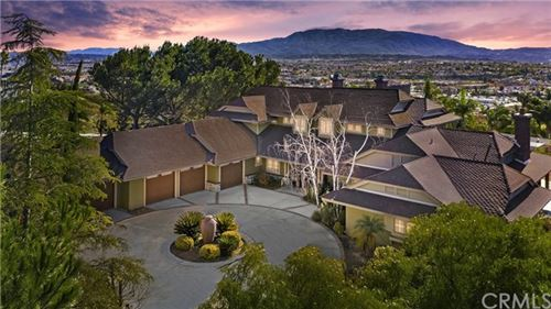 Photo of 43950 El Lucero Place, Temecula, CA 92592 (MLS # SW21008969)