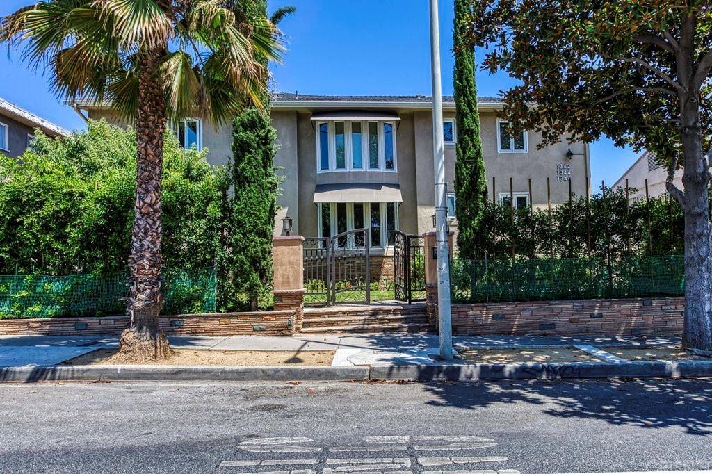 1342 N Crescent Heights Boulevard #1, West Hollywood, CA 90046 - MLS#: SR21182969