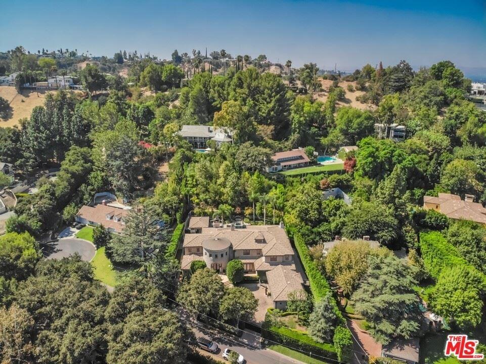 Photo of 4525 Comber Avenue, Encino, CA 91316 (MLS # 21758970)