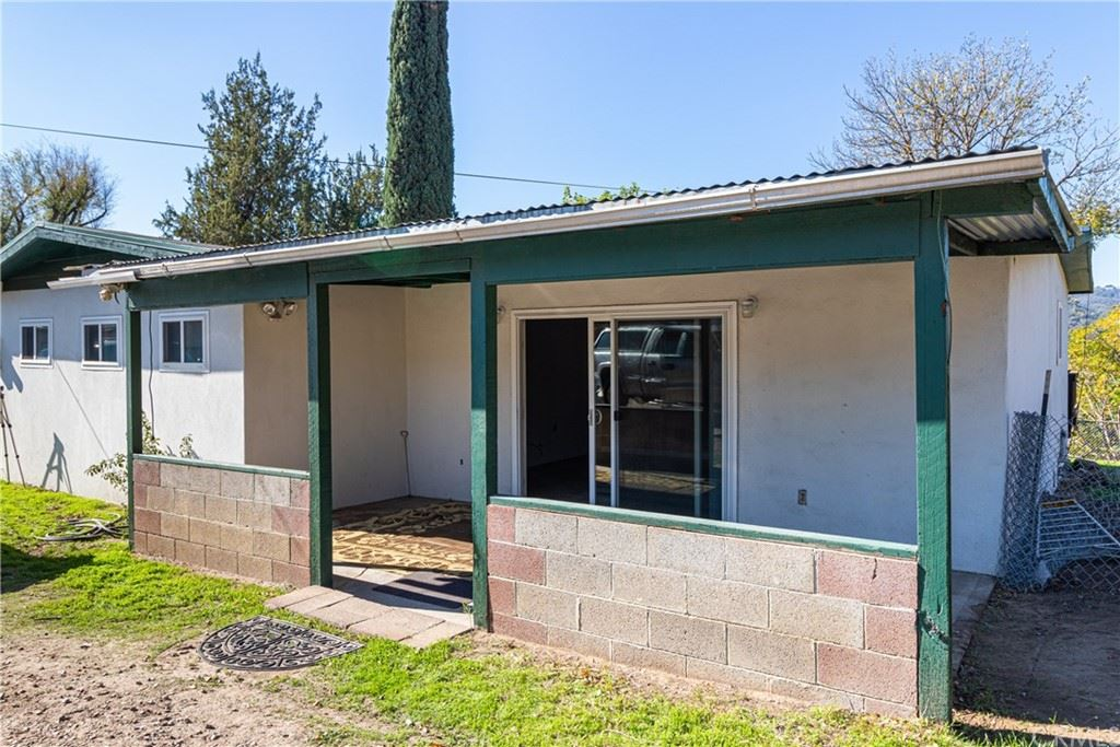 Photo of 140 Capitol Hill Drive, Paso Robles, CA 93446 (MLS # NS21202970)