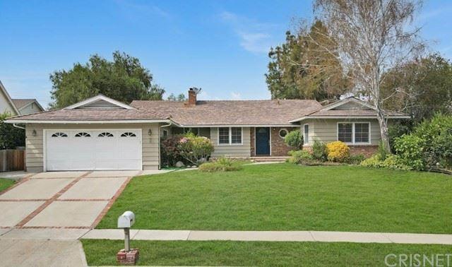Photo of 23943 Crosson Drive, Woodland Hills, CA 91367 (MLS # SR21131970)