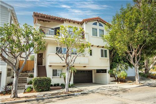 Photo of 1075 7th Street, Hermosa Beach, CA 90254 (MLS # PV21166971)