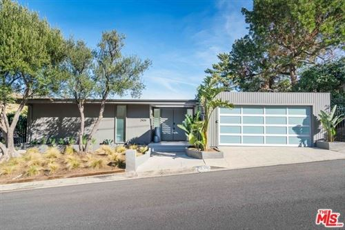 Photo of 2436 GREEN VIEW Place, Los Angeles, CA 90046 (MLS # 20541972)